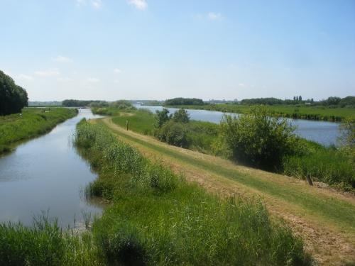 Van haringstad tot jeneverstad tot oer hollandse natuur: in zuid holland is het verleden nog overal zichtbaar....
